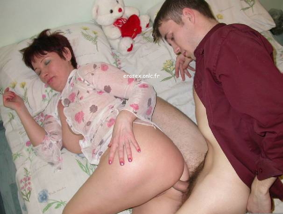 Sperme dans l'inceste fille